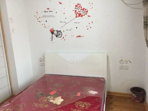 万达华城精装单身公寓900还有一套700