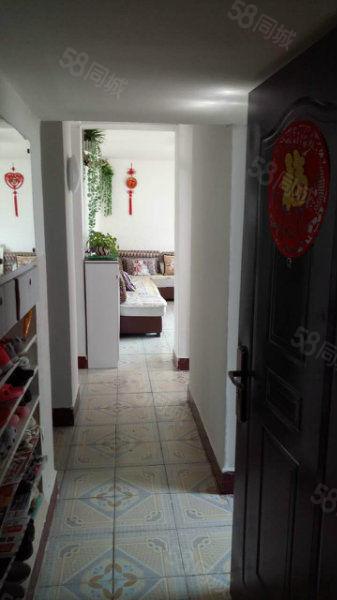 农贸西巷精典装修小户型3室1厅仅18万元
