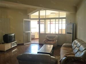 黄雁村十字,3室105平,电梯房,拎包入住,仅租2200