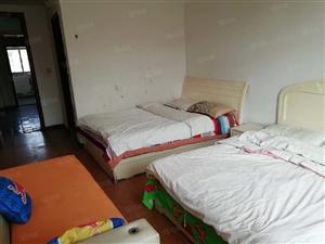 西苑小区88平2室1厅简单装修550元