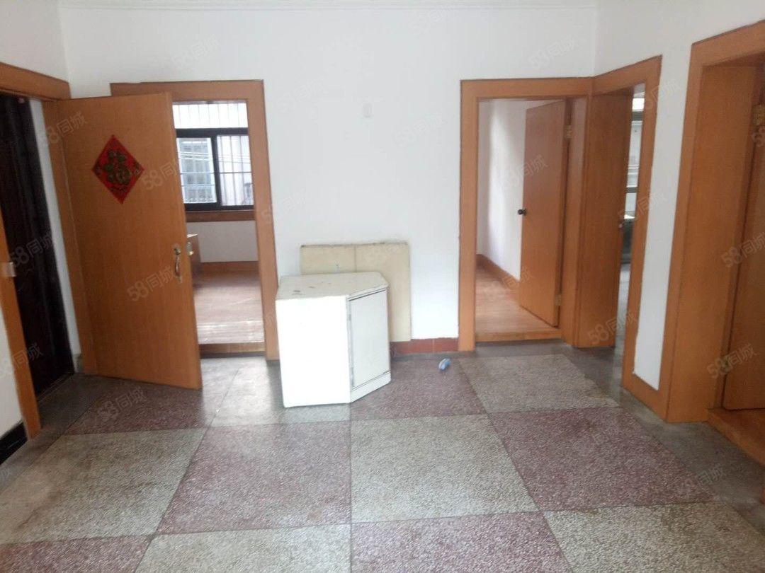 三小附近化肥厂三生活区二楼简装四室好房便宜澳门金沙平台