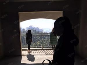 西山林语广场附近133平3房毛坯仅售68万