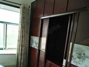 繁华地段万达旁110平方米3室2厅中装修可拎包入住