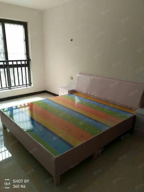 澳门星际网址莱茵河畔3室简单装修,拎包入住