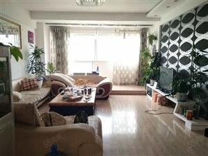 龙景园精装修4室2厅2卫169平米只售65万急售带家具家电