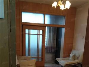 博爱医院南5楼2室1厅家具家电700装修木地板