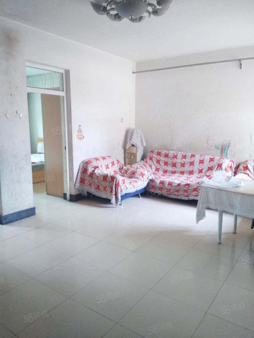 玉泉路玉泉学校隔壁,两室房子,能拎包入住,看房方便