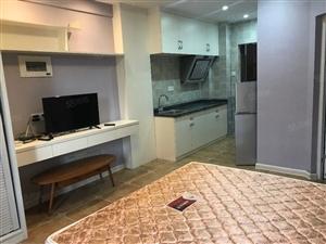烫金地段华府豪庭精装单身公寓满二设备全送看房有钥匙