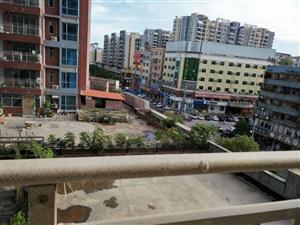 惠城水口乔弘模范生四房二厅毛坯房出售,按自己喜欢风格去装修!