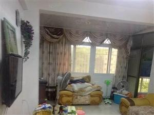 五中附近套房出售,中等装修送家具家电可拎包入住。