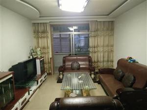 大十字附近三室精装房屋降价急售精装修带家具可按揭