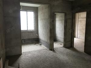利川市金左岸毛坯2房出售,手续齐全,支持按揭。