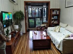 荣邦城,精装修带家具家电,图片真实客厅朝南,业主诚售。