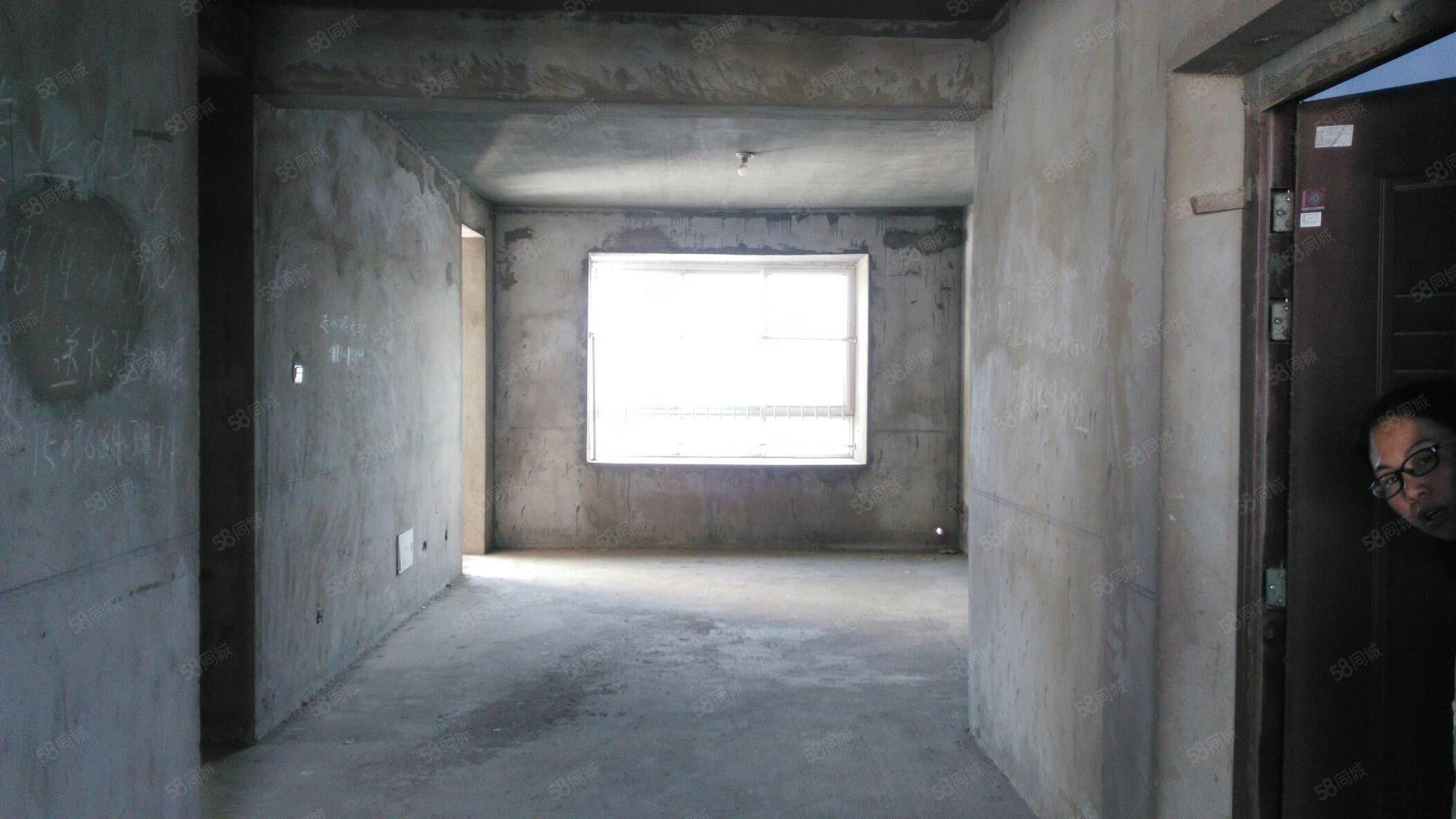 龙润康城电梯复式楼,南北通透,南北双阳台,带楼顶花园