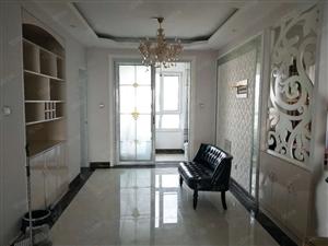 鸿顺观邸一期,南北通透,双凉台,精装修,无遮挡,出入方便。