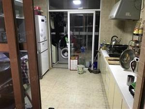 东城胜宏美居3楼3室带家具空调冰箱等紧邻万达广场红星美凯龙