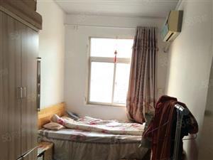 二小旁健康小区两居室出租