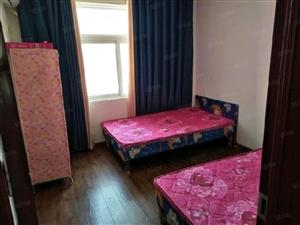 江山城三室两厅两卫精装修,家电家具齐全,拎包入住。