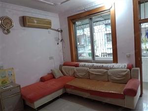 租盘城中城附近,3房1厅1厨1卫,楼梯2楼,简单装修