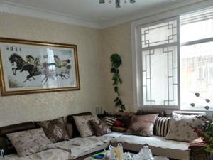 玫瑰苑低层2楼精装修好房,拎包即住,四室两厅,房东急售