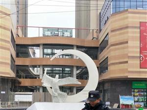 东大时代广场电梯房10楼出售