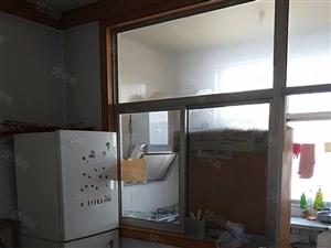 顶级彩票环卫处3室2厅一厨一卫两个空调家具家电齐全首次出租实拍图