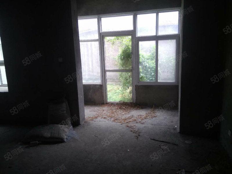 长青街怡馨园小区12复式前车库后花园有证可按揭
