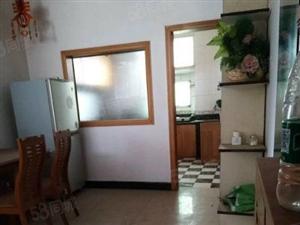江汉路小学附近简装三室两厅118平米36万出售可拎包入住