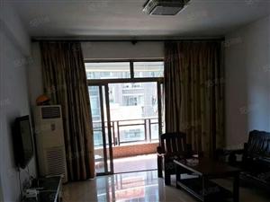 东湖御景电梯房132平方出租