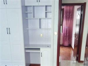 东关苑小区三楼,两室两厅,精装地暖房出售