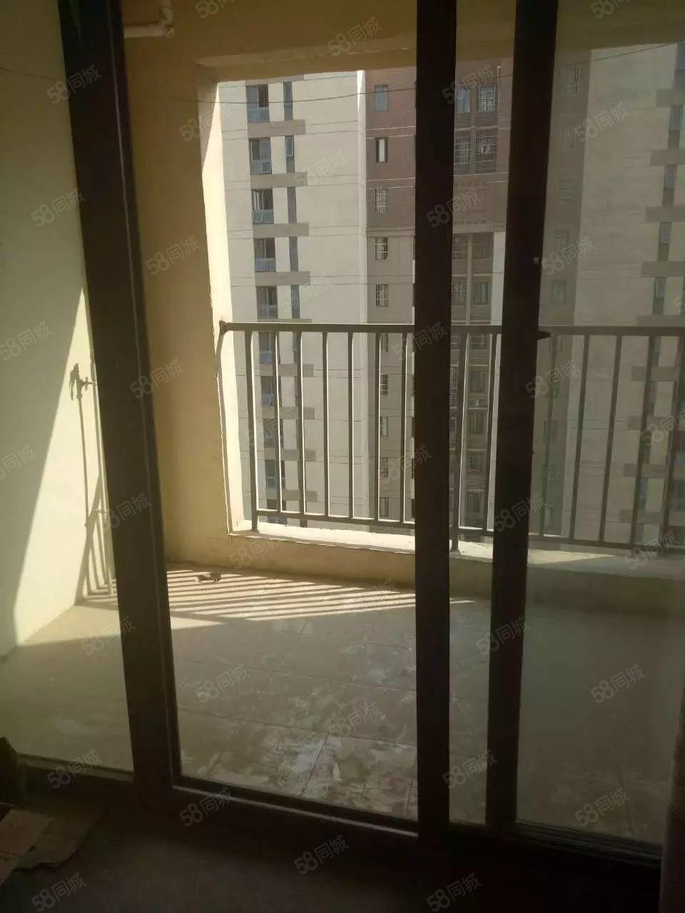锦绣桂园一室一厅家具齐全拎包入住