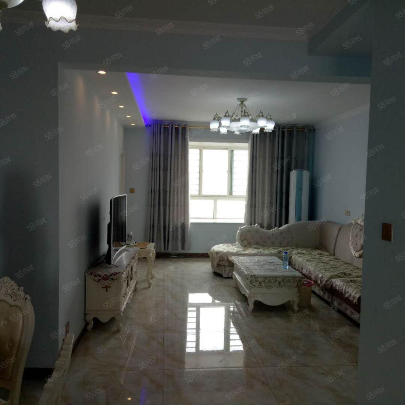 华宇景观天下3室2厅2卫豪华装修全配房子欢迎看房