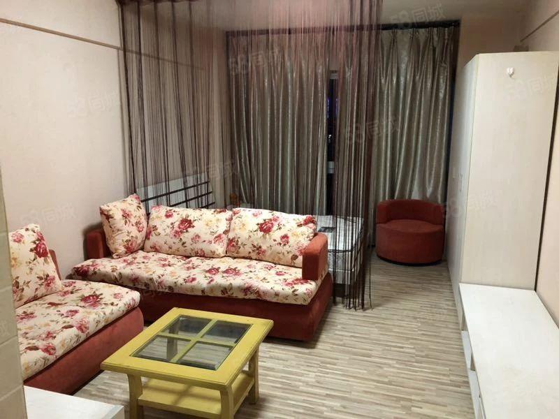 体育馆旁时代广场二期17楼1000元/月公寓带全套家具