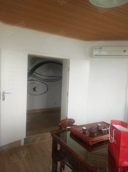 迎胜中学天外上璟两层复式一手房可更名带车库储藏室阁楼电梯