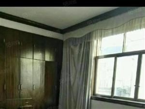 铅山县福惠路口3室2厅2卫145平方精装修4楼总高6楼