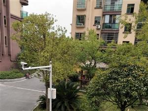 建欣家园1期2楼3室2厅2卫带40平米外平台可按揭