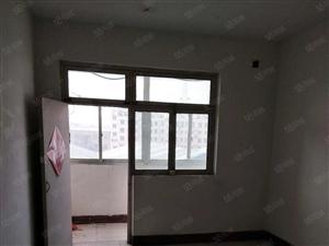 消防队后镇中宿舍楼90平方小三室年付4000元