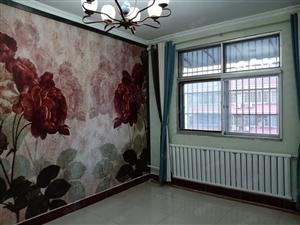 西苑小区,经典户型,三室向阳,新装小三室。
