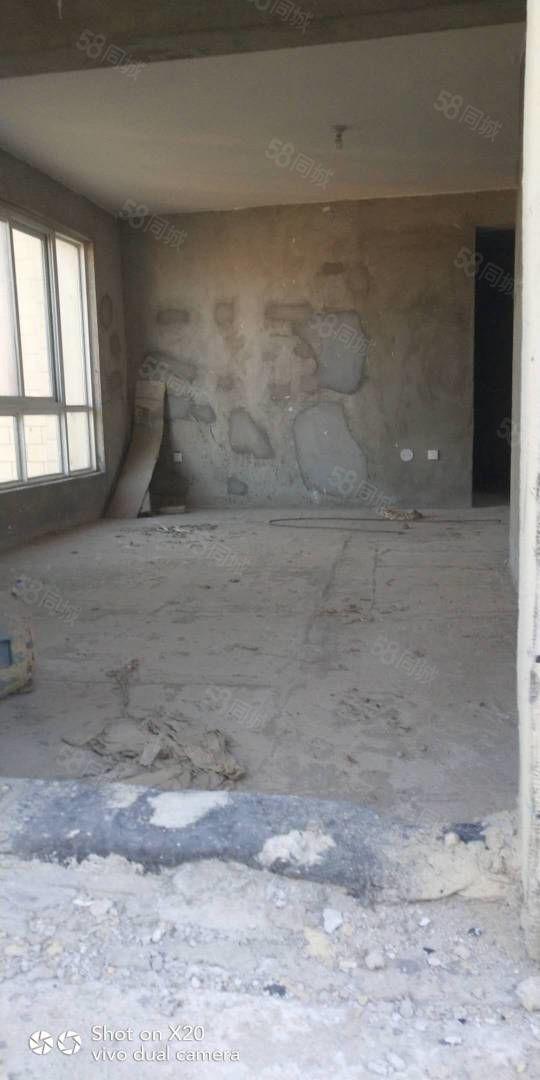 急售东来尚城顶复试楼213平,四室三厅三卫,走一首房合同