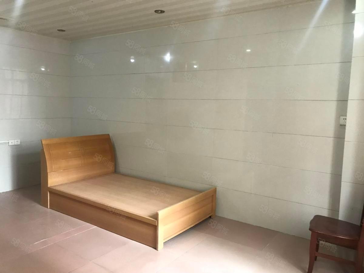 阳东保健院附近中层步梯套间房源新净看房比较方便