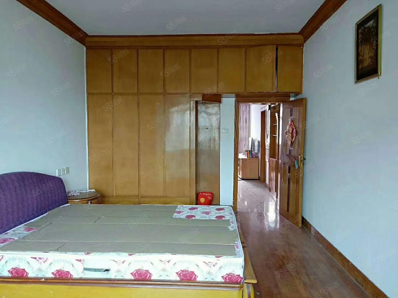 一桥附近精装修2室2厅出售