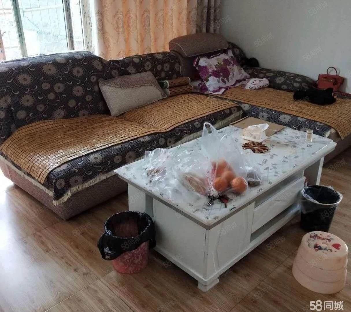琼江明珠一室一厅拎包入住,可改两室