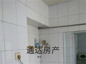 通达房产租新词大酒店附近5楼90平米