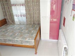 沿河公园南段平房1室1卫空调暖气宽带家具拎包住