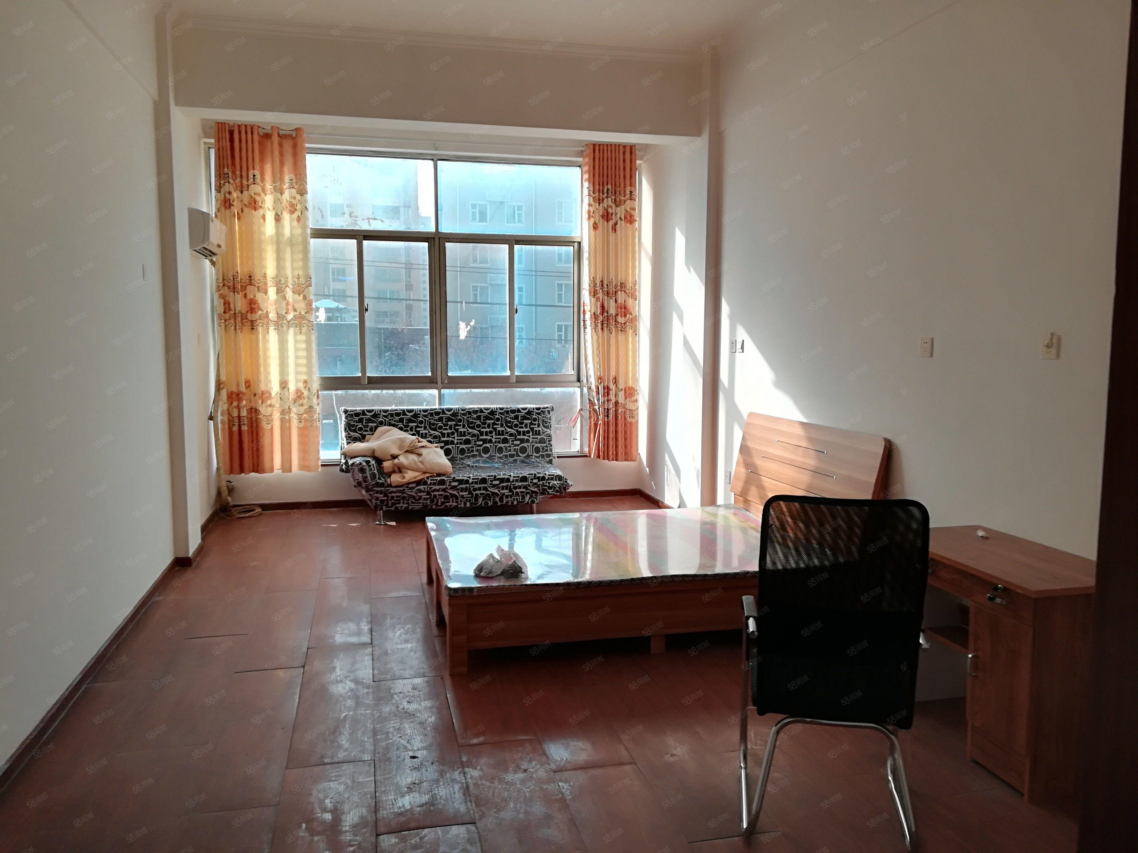 出售香橙公寓全南户型采光好交通便利,生活配套齐全