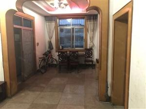 贡井和平广场两室顶楼好房房东诚心出售看房方便