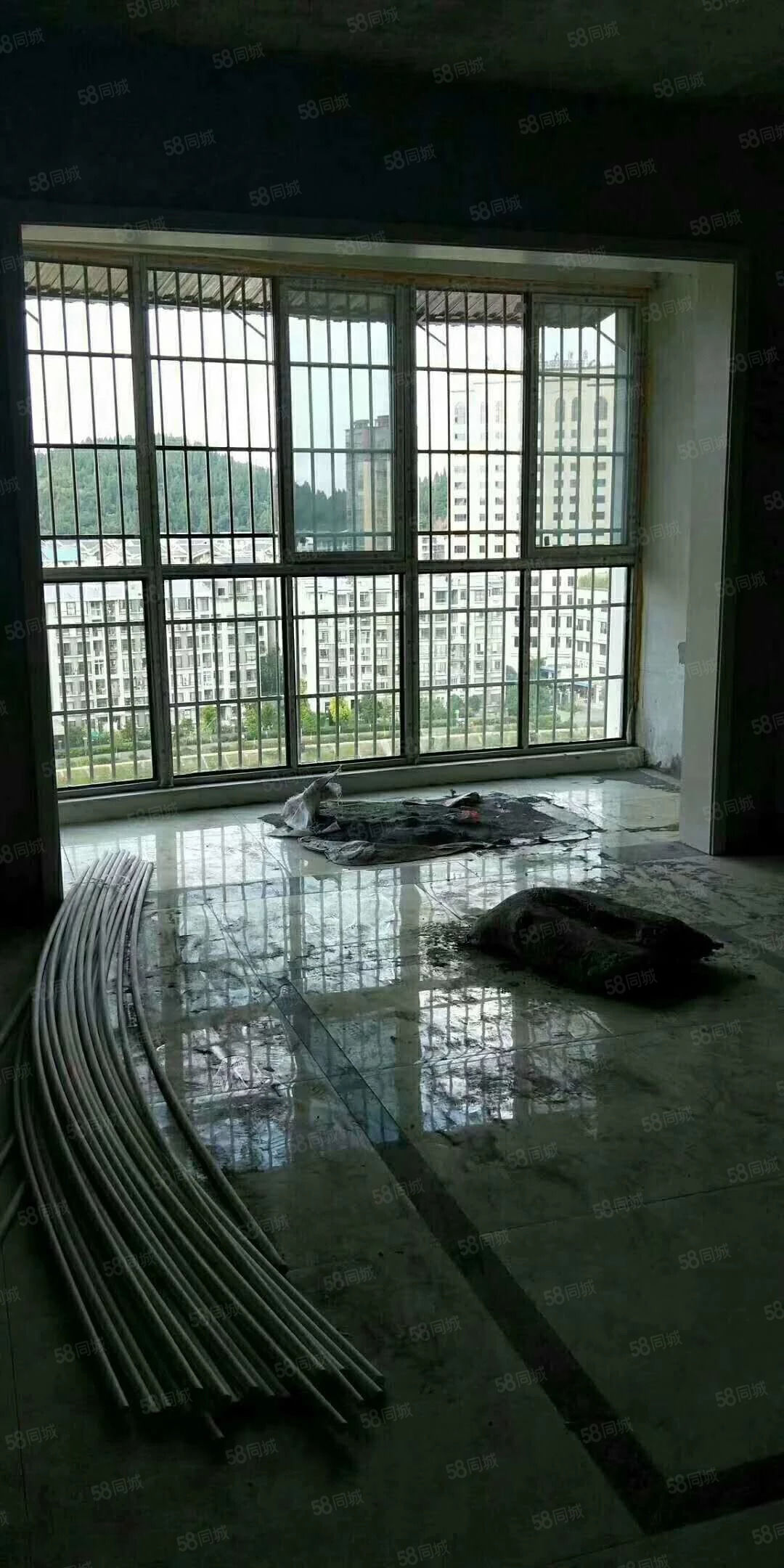 江景房,电梯的,简装只卖清水房的价格