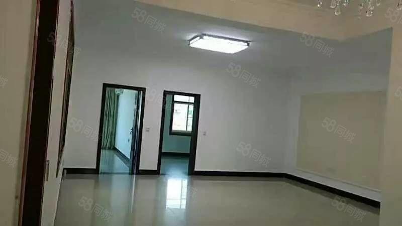 祁东县财政局旁四室两厅两卫套房出售