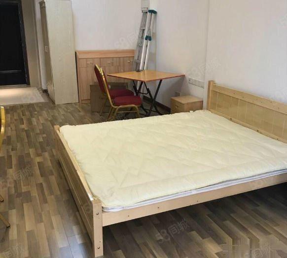 万达东湖臻悦独门独户单身公寓设备齐全沃尔玛