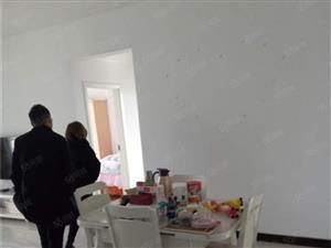 武陵富华装修3房家居家电齐全,高楼层拎包入住